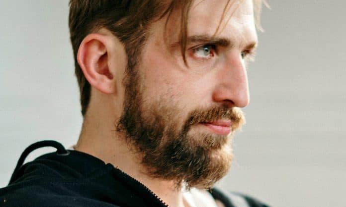 scraggly beard