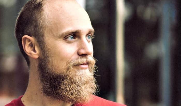 garibaldi beard on heart shaped face