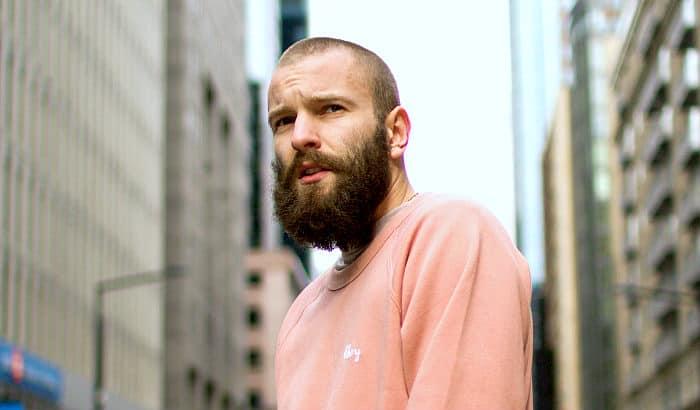 garibaldi beard style in streets