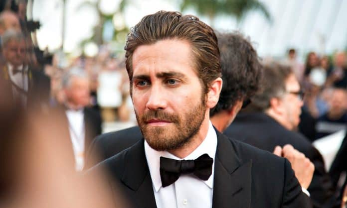 jake gyllenhaal beard featured