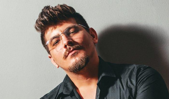 van dyke with glasses