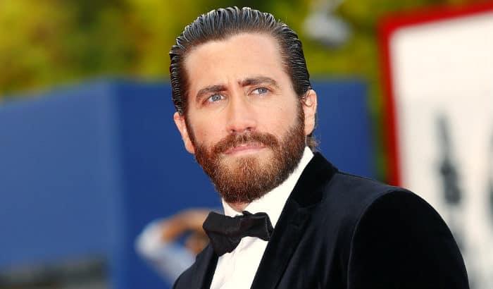 jake gyllenhaal full beard style