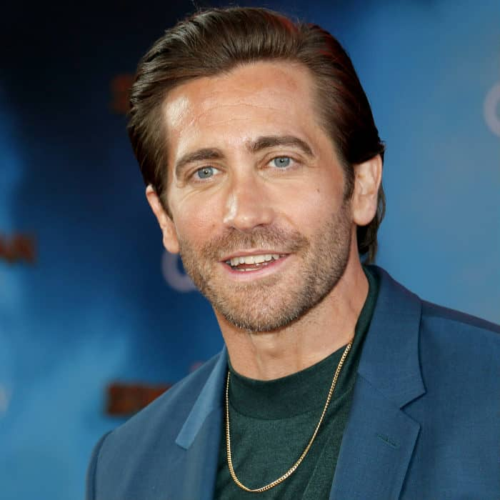jake gyllenhaal medium stubble beard